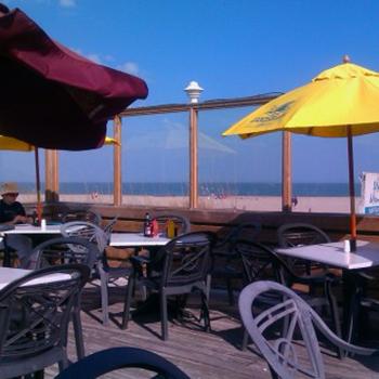 Marlin Monroe's Surfside Grill